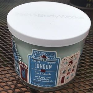 London Tea and Biscuits 3-wick candle